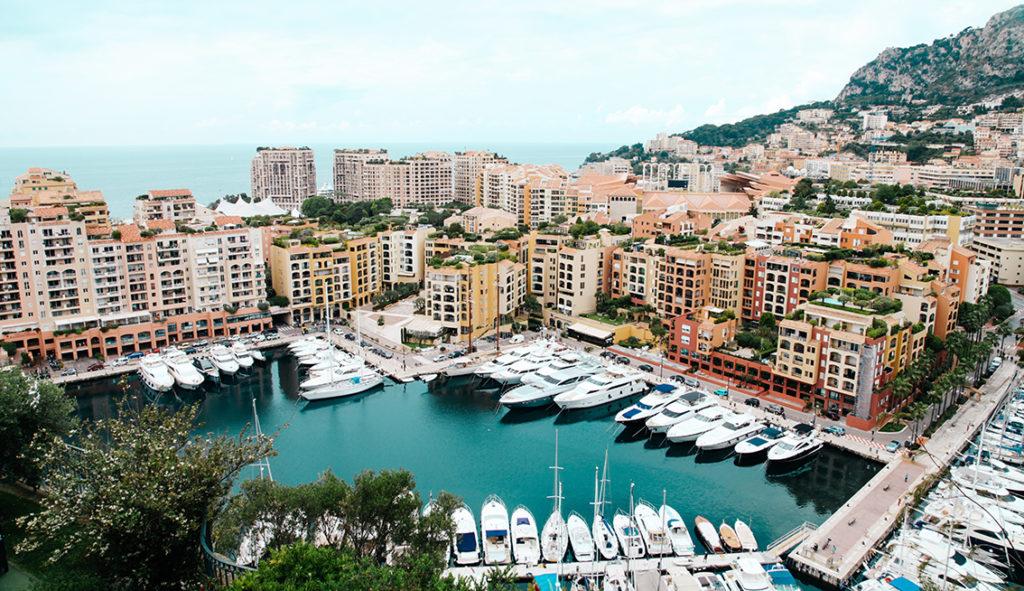 Formule 1 in Monaco.. hoe zit het met autorijden?